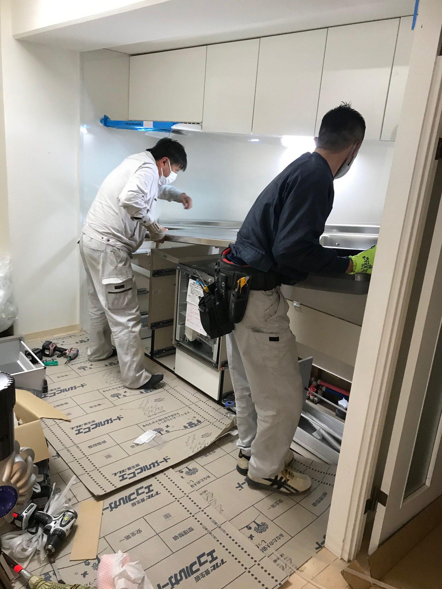省スペースでするキッチンリノベとキッチン背面収納